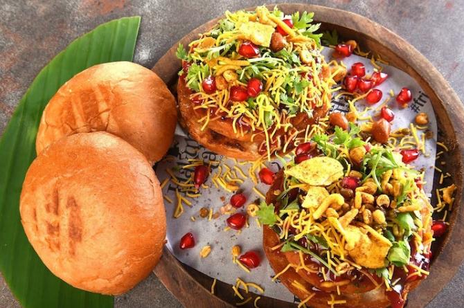 Best Vegan Restaurant in Kolkata, Hakuna Matata